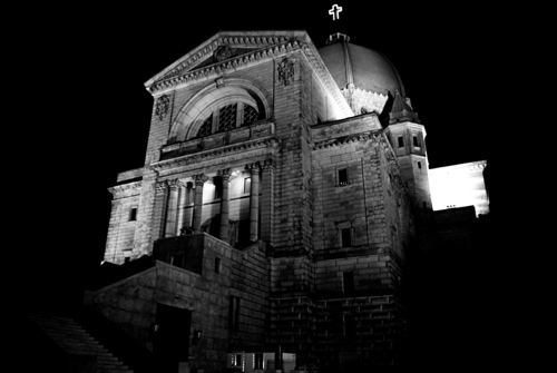 Oratoire Saint-Joseph, at night