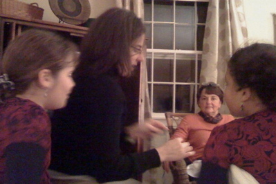 Demonstrating the purl stitch, 11.27.2008
